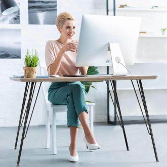 Những ưu điểm và nhược điểm của bàn làm việc chân sắt