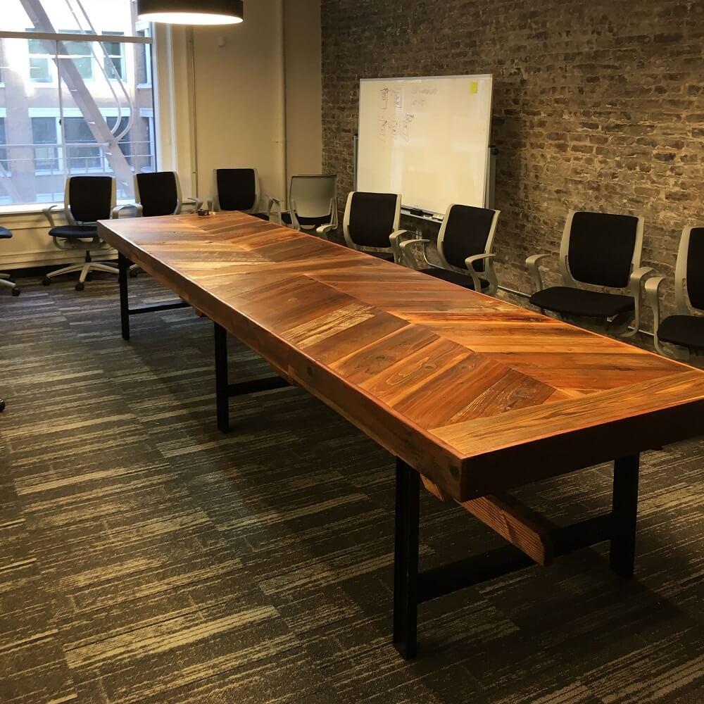 Mẫu bàn phòng họp đẹp làm từ gỗ tự nhiên
